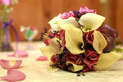 Flower Bouquets For Weddings by Wedding Bouquet Flowers