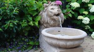 fontaine a eau pour jardin des fontaines d ext 233 rieur en circuit d eau ferm 233 pour un jardin zen