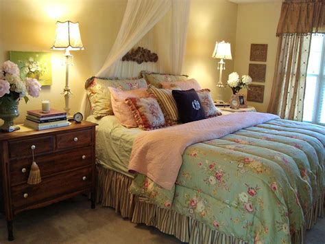 hgtv rate my space bedrooms romantic cottage style tone down a sweet feminine room