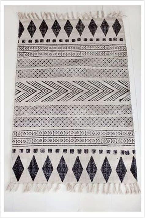 tribal pattern carpet best 25 tribal rug ideas on pinterest