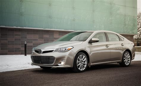 Toyota Avolon 2013 Toyota Avalon Limited Photo