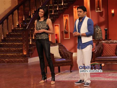 comedy nights with kapil on the sets the times of india photos sushmita sen on the sets of comedy nights with