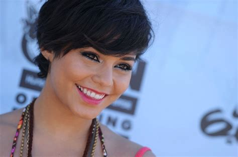 hair style chionship more pics of vanessa hudgens short straight cut 18 of 34