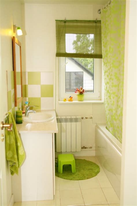 how to decorate a very small bathroom decorating tiny bathrooms ideas for a very small bathroom