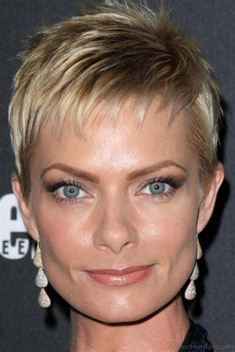 short pixie haircuts with feathered sides 37 stylish spiky haircut for girls