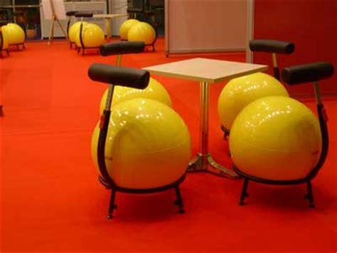 gymnastikball mit gestell pallone ii mit rollen oder gleitern
