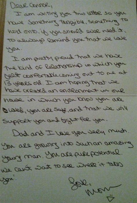 madre de una carta para un hijo una madre escribe a su hijo gay una carta llena de amor