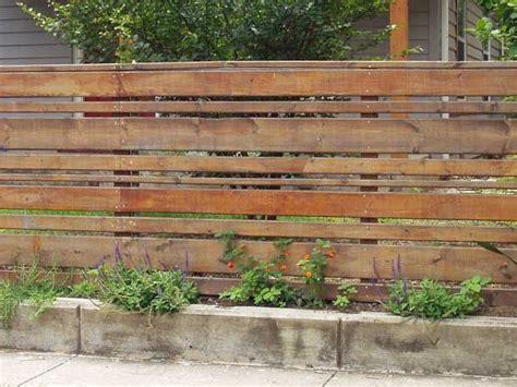 recinzioni di legno per giardini oltre 25 fantastiche idee su recinzioni da giardino su
