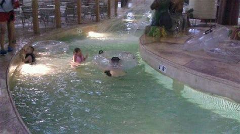 great wolf lodge mason ohio bed bugs fun down family slide picture of great wolf lodge