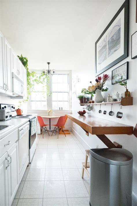 small narrow kitchen ideas best 25 long narrow kitchen ideas on pinterest small