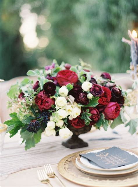 burgundy wedding table centerpieces best 25 burgundy floral centerpieces ideas on