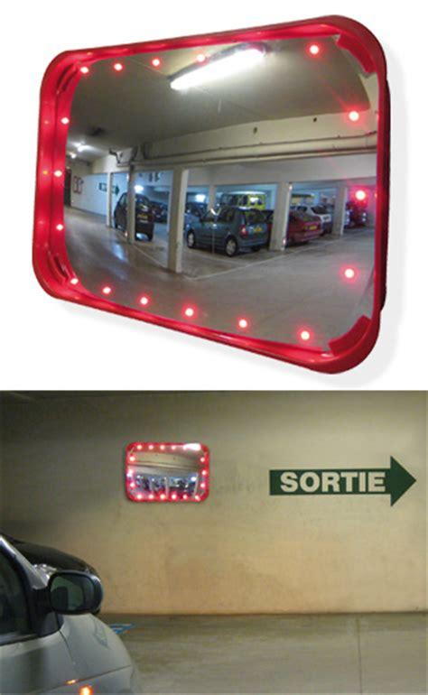 miroir sortie parking miroir 224 led parking un miroir con 231 u pour le passage d un v 233 hicule