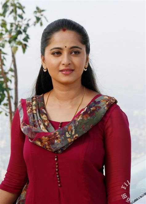 singham film actress images anushka shetty cute hot and spicy singam 3 movie latest