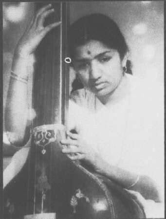 Ajeeb Dastan Hai Yeh - Lata Mangeshkar : Now playing on