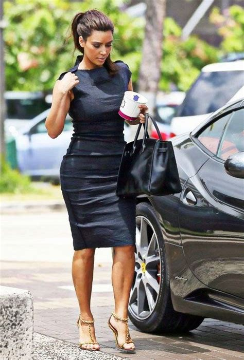 Trendy 34 Year Old Woman | what dresses are in style for fall 2018 become chic