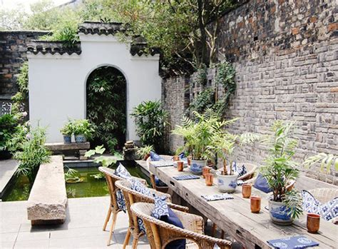 relaxing outdoor space of a house on balaclava road 20 beautiful private outdoor spaces to relaxing ambiance