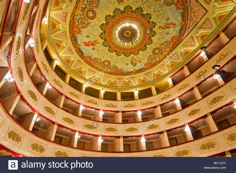 teatro persiani g teatro persiani recanati macerata italia foto immagine