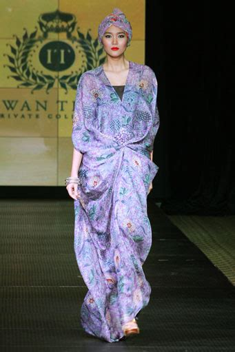 Kaftan Batik 08 batik kaftan collection by iwan tirta glowlicious me a