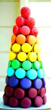 colorful macaroons rainbow macaroon tower color para comer os olhos