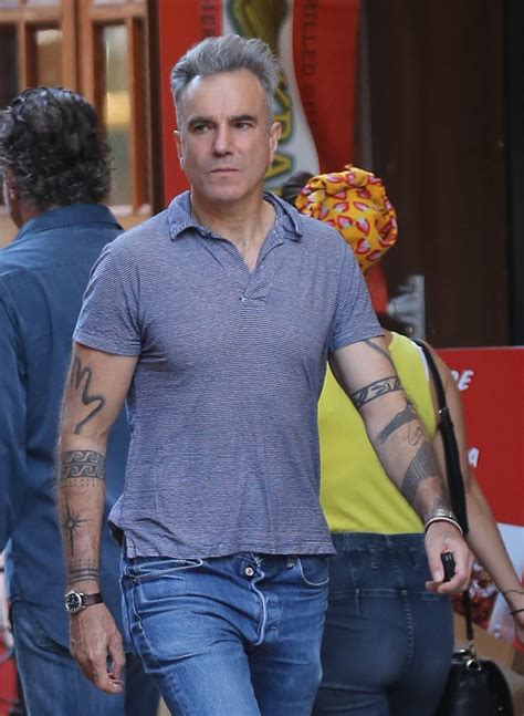daniel day lewis out in new york with great hair lainey