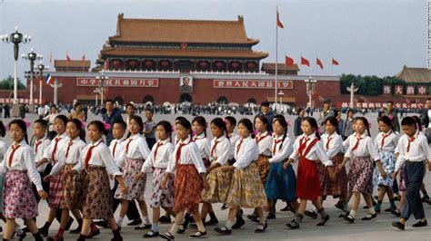 new year during cultural revolution color photos reveal in mao s communist china