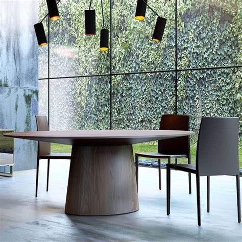 15 astounding oval dining tables for your modern dining room 15 astounding oval dining tables for your modern dining