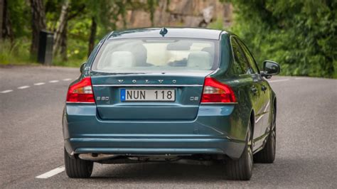 volvo  xc recalled  faulty tpms