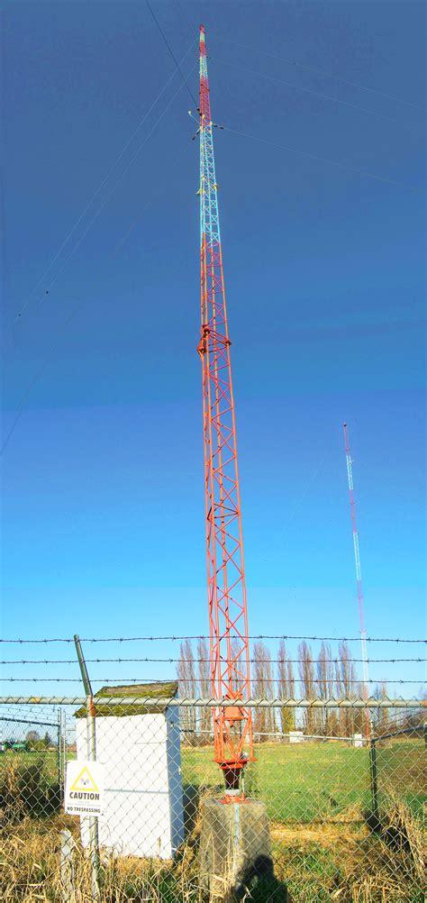 file kbrc antenna tower jpg wikimedia commons