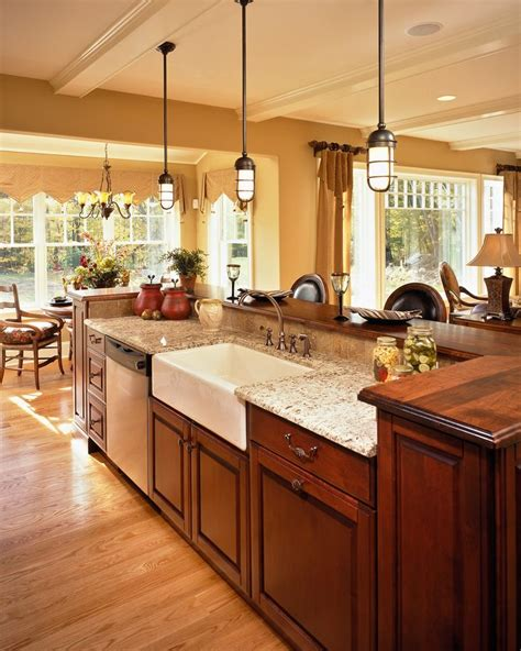 Farmhouse Kitchen Island Ideas 25 Best Ideas About Cherry Cabinets On Cherry Kitchen Cabinets Cherry Kitchen And