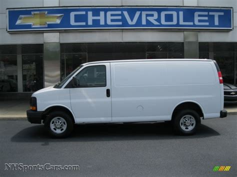 2010 chevrolet express 2500 work in summit white