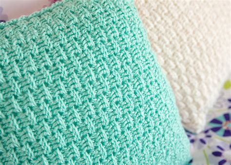 Crochet Pillow Cover Patterns free pillow cover crochet pattern leelee knits