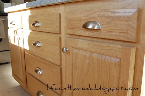 Pulls Or Knobs On Kitchen Cabinets On The V Side Kitchen Jewelry