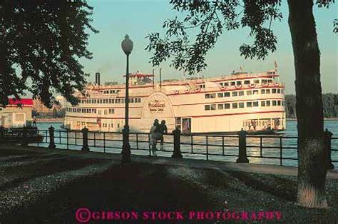 the boat casino iowa dusk president riverboat casino on mississippi river