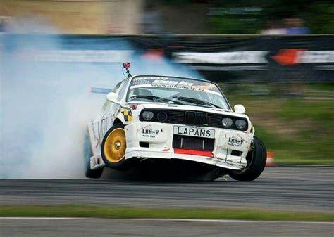 bmw drift cars bmw e30 3 series white drift bmw track bmw