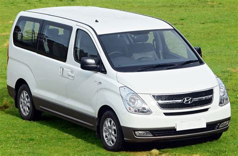 van hyundai car rental with or without driver in madagaskar for journeys