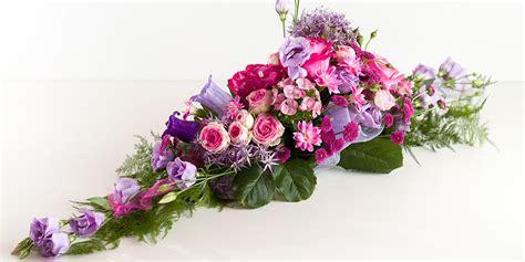 Tischgestecke Hochzeit by Blumen Blumiges Fischbachtal
