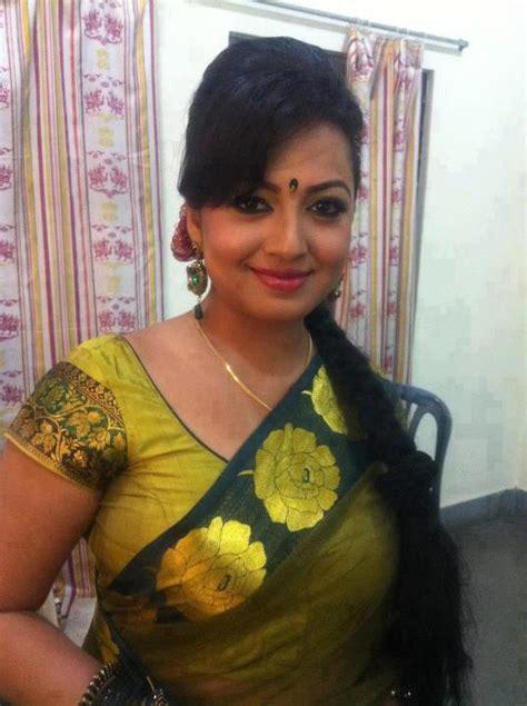 hot indian aunties photos saree pics mallu aunties picture indian hot aunty in saree desi aunty pics