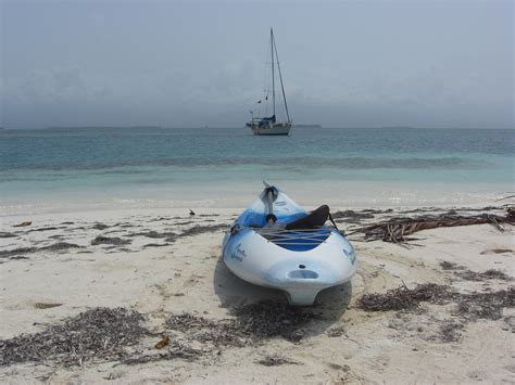 kayak boats pronounce panama san blas islands coco bandero cays it s a dogs life