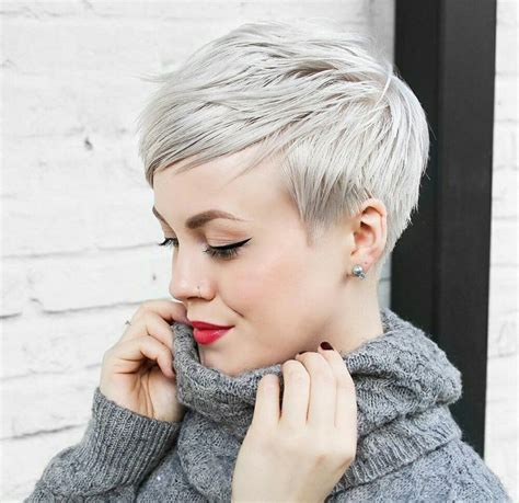 photos of women with pixi haircuts that are 50 years old 25 best ideas about pixie haircuts on pinterest pixie