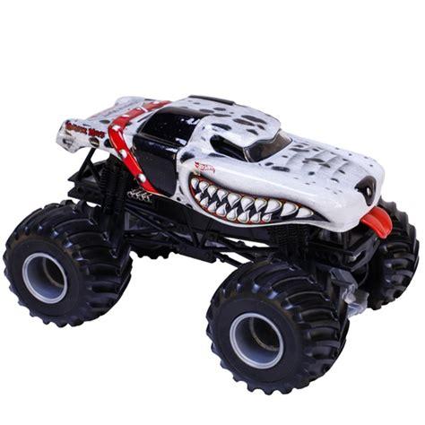 1 24 scale monster jam trucks 1 24 wheels monster mutt dalmatian truck