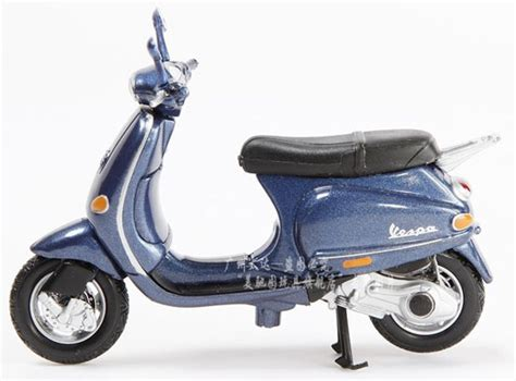 Newray Vespa Et4 125 1996 132 blue 1 18 scale maisto vespa 125 et4 1996 model mc11b007 ezmotortoys