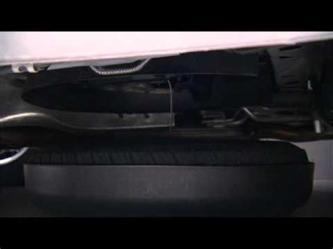 2012 dodge grand caravan jacking and tire changing youtube