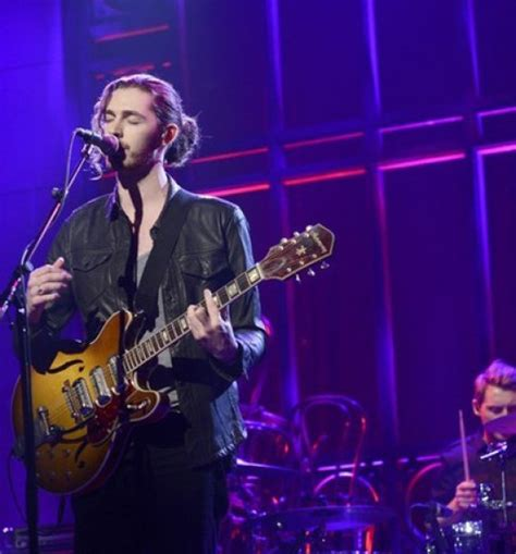 hozier on snl nick jonas ty s quot bacon quot belly kehlani s quot you quot soon