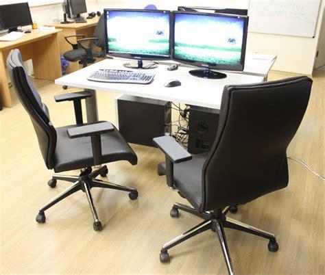 escritorios en target pair programming desks at targetprocess targetprocess