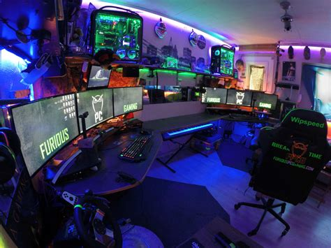 9 Amazing Pc Gaming Battle Stations Paradise Gaming Desk