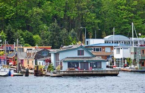 sleepless in seattle houseboat 81 best heavenly houseboat living images on pinterest