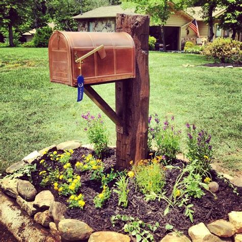 Mailbox Planter Ideas by 25 Best Ideas About Country Mailbox On Mail
