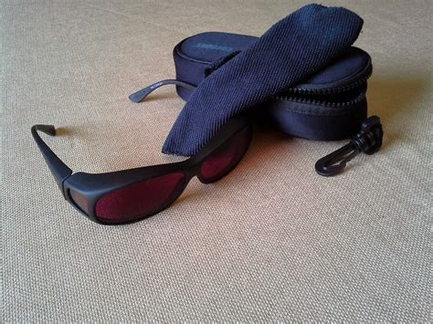 special glasses for light sensitivity a review of axon optics therapeutic eyewear by migrainista