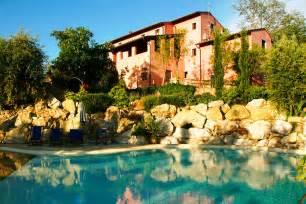 Italian Modern Bedrooms Le Rondini Luxury Holiday Villa In Pisa Area Tuscany