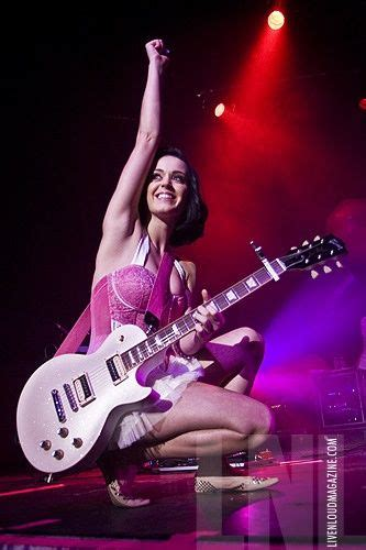katy perry playing guitar   guitar